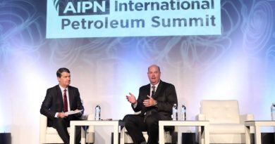 Photo: (right) Ryan Lance, chairman and CEO, ConocoPhillips during the AIPN Summit.